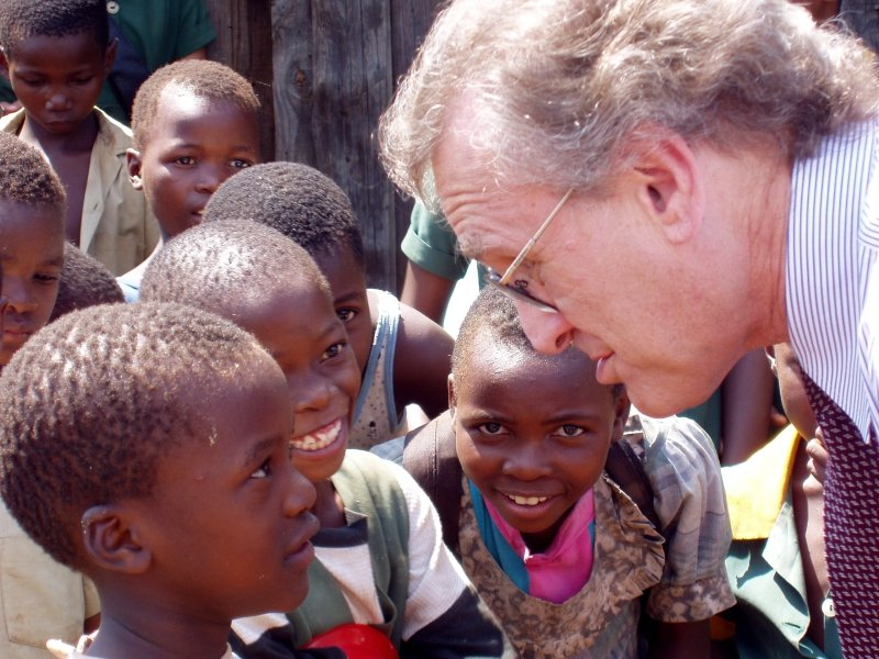 Stephen Lewis with African children